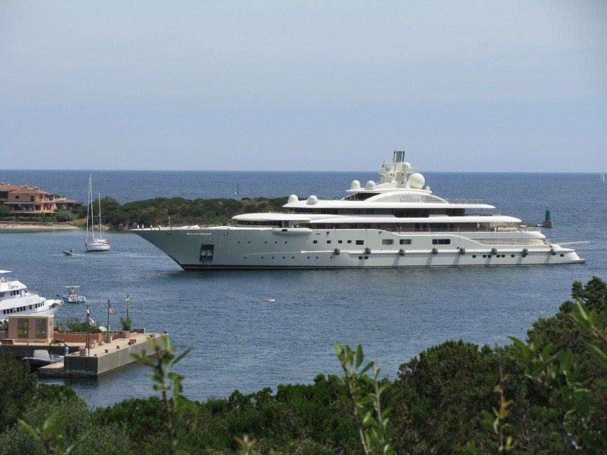 The Worlds Most Expensive Yachts And The Billionaires Who Own Them UNILAD dil6
