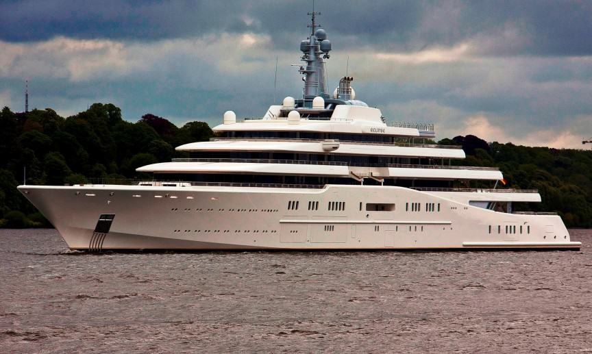 The Worlds Most Expensive Yachts And The Billionaires Who Own Them UNILAD ecl7