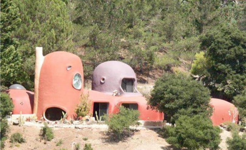 The Flintstones House Is Up For Sale, Now You Too Can Live Like A Cartoon Caveman UNILAD flinstones house 17