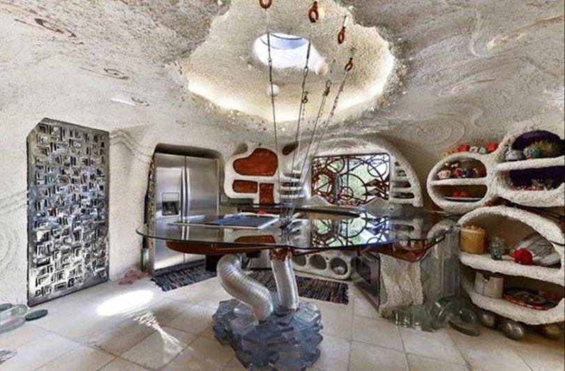 The Flintstones House Is Up For Sale, Now You Too Can Live Like A Cartoon Caveman UNILAD flinstones house 37