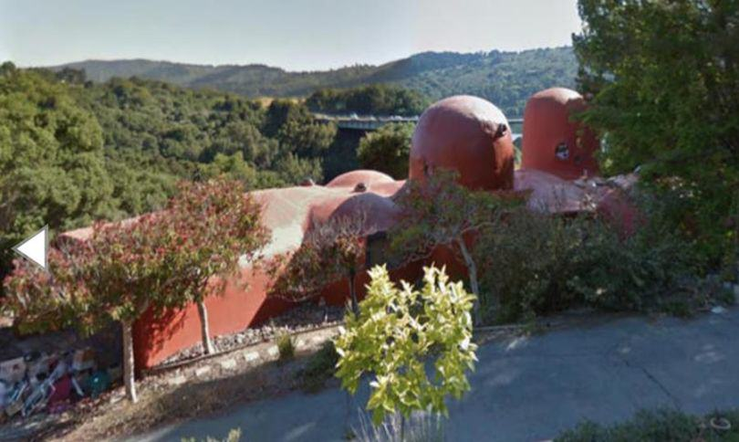 The Flintstones House Is Up For Sale, Now You Too Can Live Like A Cartoon Caveman UNILAD flinstones house 63