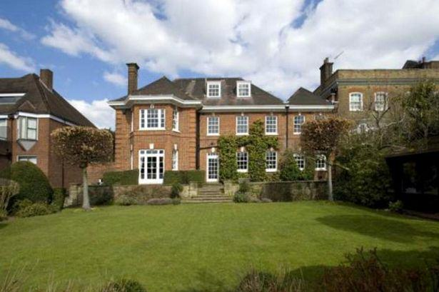 Heres A Glimpse Inside Ricky Gervais New £10Million London Mansion UNILAD gervais18