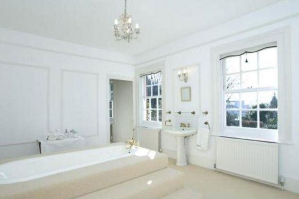 Heres A Glimpse Inside Ricky Gervais New £10Million London Mansion UNILAD gervais66