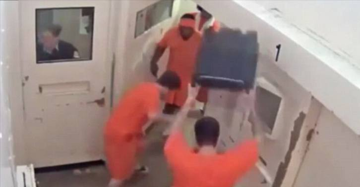 Dramatic Video Shows Terror Suspect Brutally Beaten In Canadian Jail UNILAD jail attack WEB 36