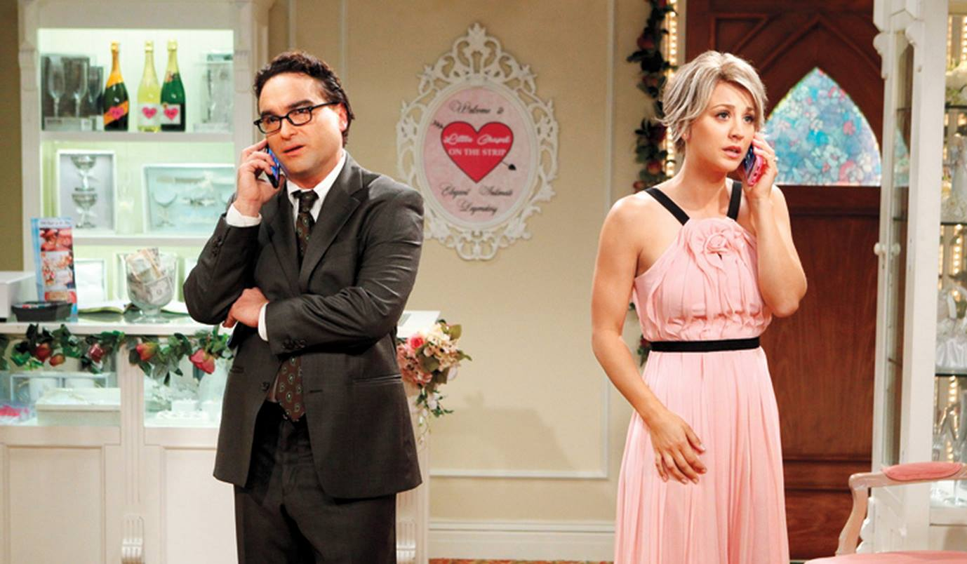New Set Photos Released Of Leonard And Pennys Wedding On The Big Bang Theory UNILAD leonard penny WEB 44
