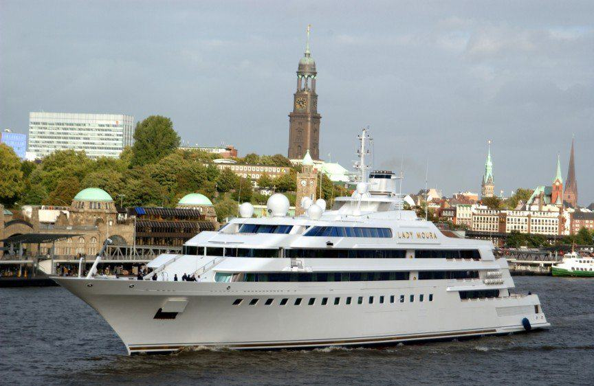 The Worlds Most Expensive Yachts And The Billionaires Who Own Them UNILAD lmou5