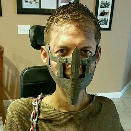 mad-max-wheelchair-cosplay-bloodbag-ben-carpenter-2