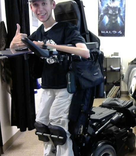 mad-max-wheelchair-cosplay-bloodbag-ben-carpenter-6