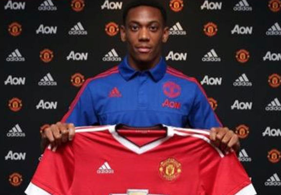 Do Young Players Get Made Or Broken By Huge Transfer Fees? UNILAD martial web4