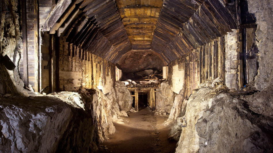 Quids In, There Could Be Two More Nazi Gold Trains Hidden In Poland UNILAD nazi gold new 15