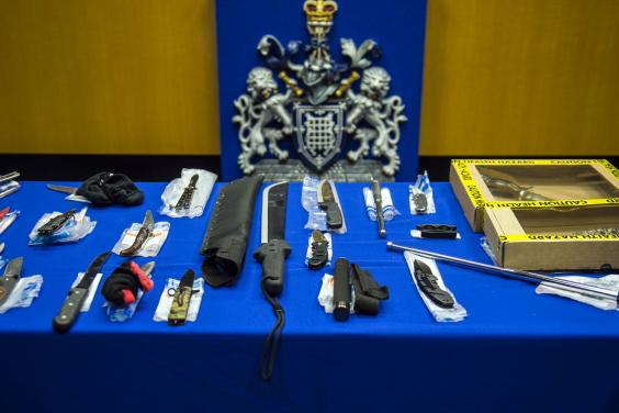 The Haul Of Weapons Seized By Police At This Years Notting Hill Carnival Is Pretty Insane UNILAD notting hill 12