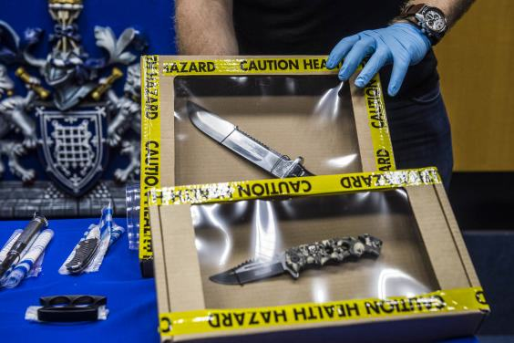 The Haul Of Weapons Seized By Police At This Years Notting Hill Carnival Is Pretty Insane UNILAD notting hill 25