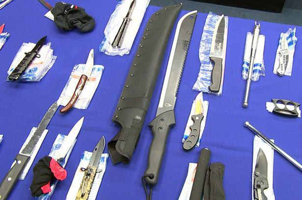 The Haul Of Weapons Seized By Police At This Years Notting Hill Carnival Is Pretty Insane UNILAD notting hill 38