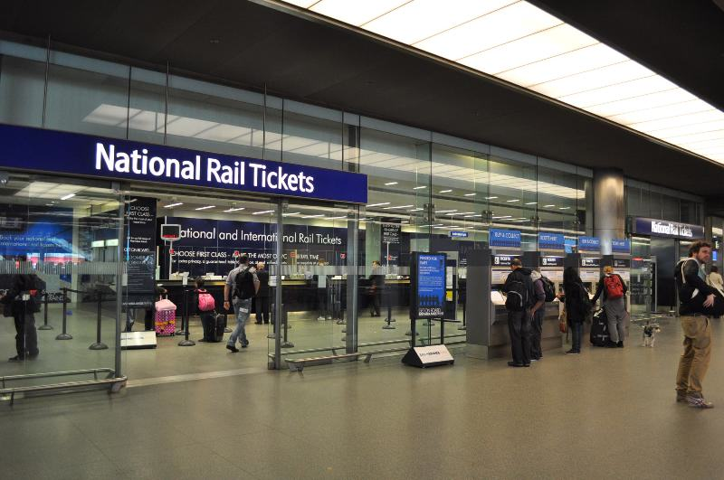 Heres How Much UK Train Stations Make From Charging You To Pee UNILAD train toilets 17