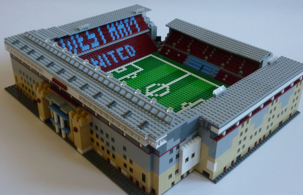 One Man Is Trying To Replicate All 92 English Football League Stadiums From Lego UNILAD west ham6
