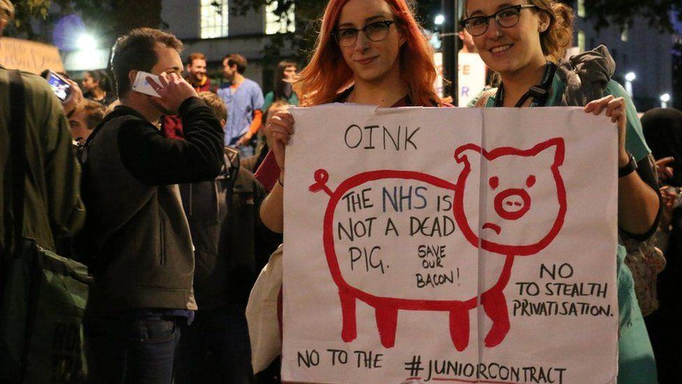 Doctors Stage Protest In London Over Unsafe And Unfair Government Contract Plans doctor protests 41