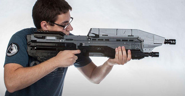 Life Sized Halo 5 Assault Rifle Stunningly Recreated With Lego halofacebook