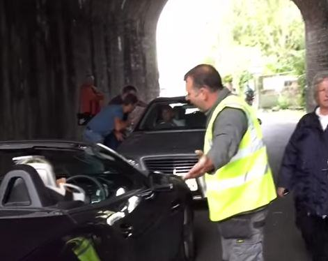 Two Motorists Block Tunnel For 40 Minutes After Getting Involved In Stand Off metro