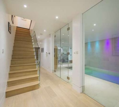 Ricky Gervais Is Selling His London Gaff And Its NICE rickygervais lon102