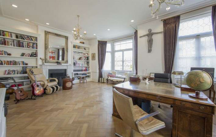 Ricky Gervais Is Selling His London Gaff And Its NICE rickygervais lon72