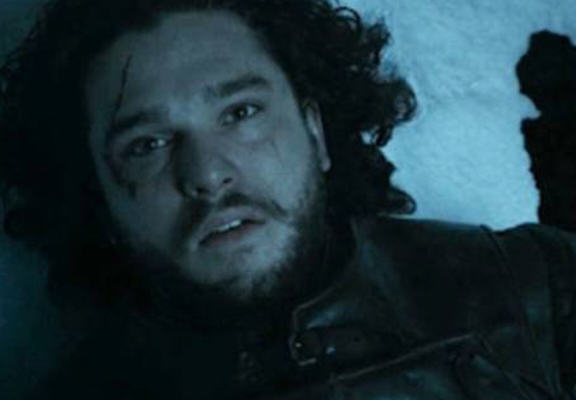 Pictures From Game Of Thrones Filming May Show How Jon Snow Is Still Alive snow dead web