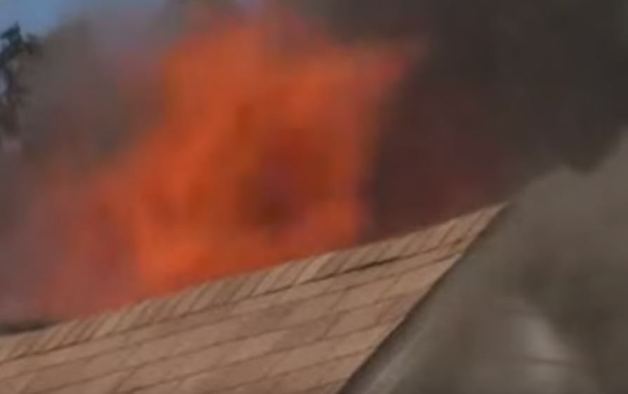 Man Steals Girlfriends Car, Crashes It, Sets House On Fire, Dances On Roof UNILAD 285660