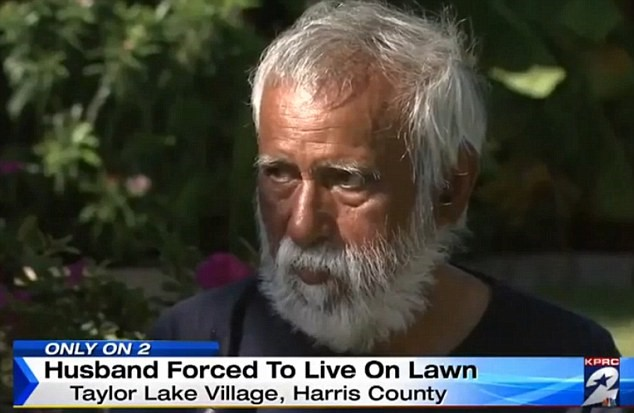 Wealthy Man Forced To Live On His Lawn For Months After Being Locked Out UNILAD 2D27FD8400000578 3262882 Neighbors fear he could die in front of his own house as he is a m 76 14441959011747