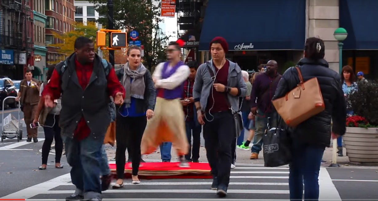 Guy Cruises Streets Of NYC In Epic Aladdin Magic Carpet Costume UNILAD 440506