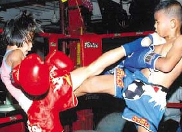 Badass 13 Year Old Girl Banned From Fighting Boys In Muay Thai Matches UNILAD 8limbs us4