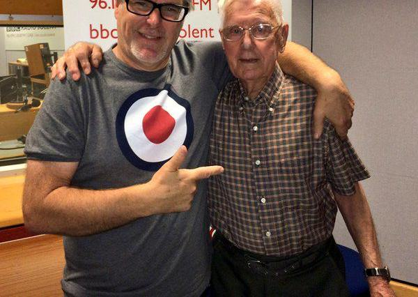 95 Year Old Man Calls Radio Station Because Hes Lonely, Gets Invited On UNILAD CR21i qWEAAD1 e94724 600x426