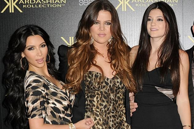 viral instagram shows kim kardashian and kylie jenners