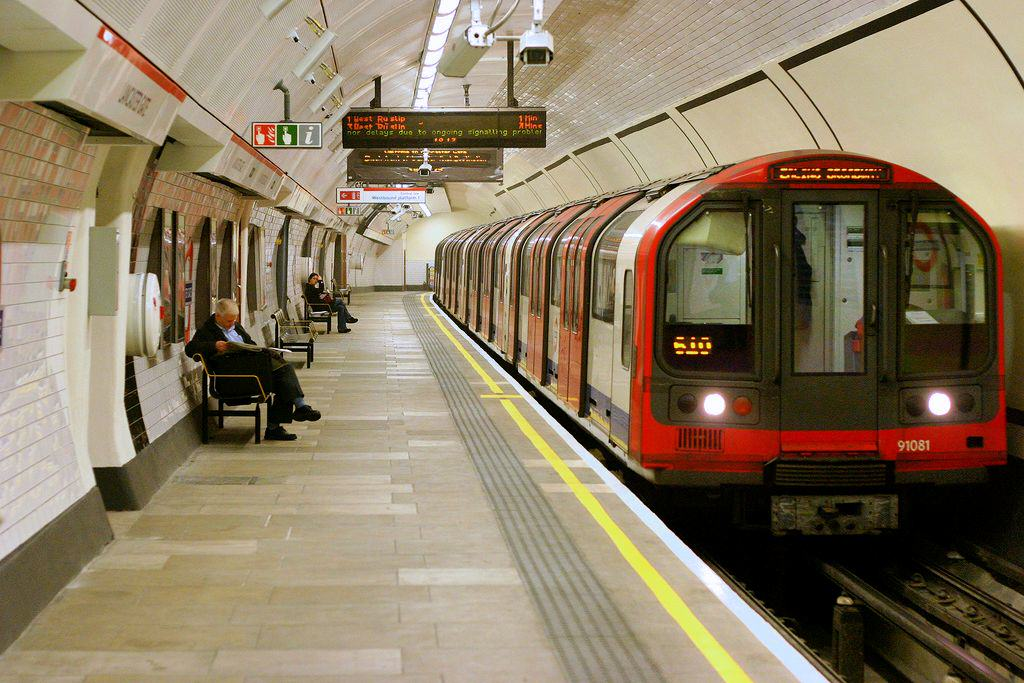 Supersize Rat Caught In London Underground Was Not Caught In London Underground UNILAD Lancaster Gate tube37385