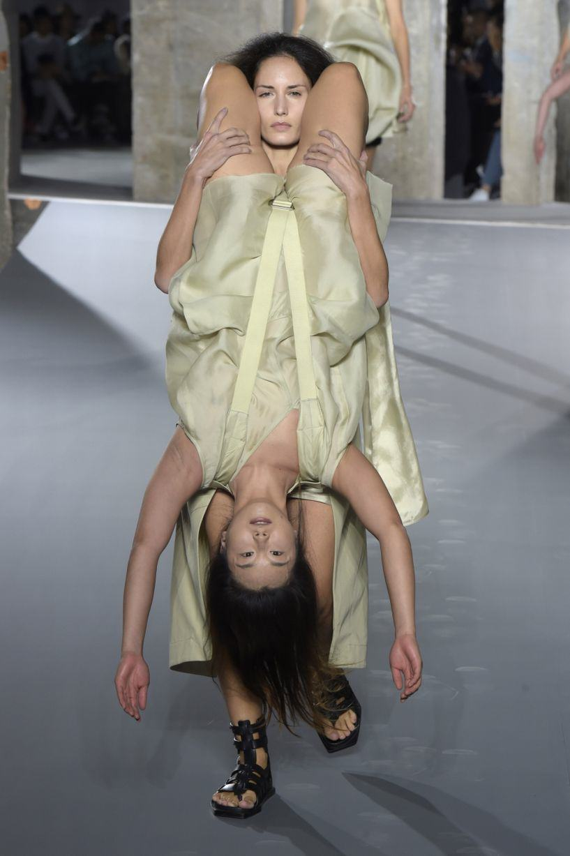 Rick Owens Sent Models Down The Catwalk Wearing Other Models, Obviously UNILAD Rick Owens show 26