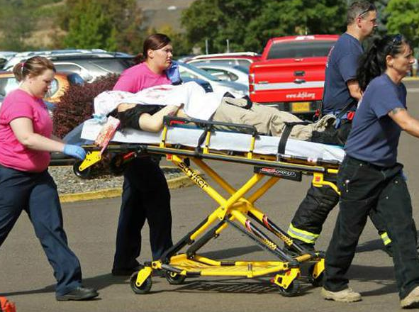 At Least 13 Dead And 20 Injured In US College Massacre UNILAD Screen Shot 2015 10 01 at 22.11.152