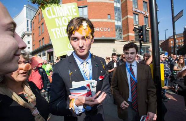 Young Tory Gets Egged By Protesters Outside Conservative Party Conference UNILAD Screen Shot 2015 10 04 at 19.21.574