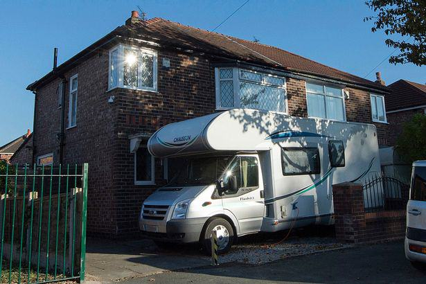 Motorhome Brothel In Manchester Offers Mobile Sex Service UNILAD brothel35