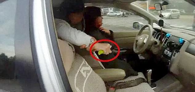 Gruesome Moment Police Find Woman Slitting Drivers Throat In Parked Car UNILAD cen62543