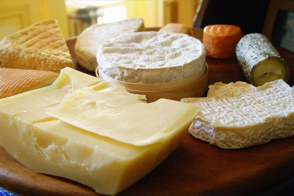 Attention: Cheese Is Just As Addictive As Crack Cocaine UNILAD cheese159170