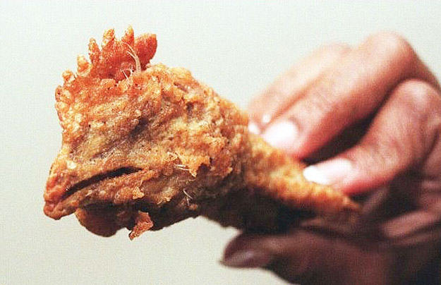 The Most Disgusting And Ridiculous Fast Food F*ck Ups In Recent Times UNILAD chicken head114