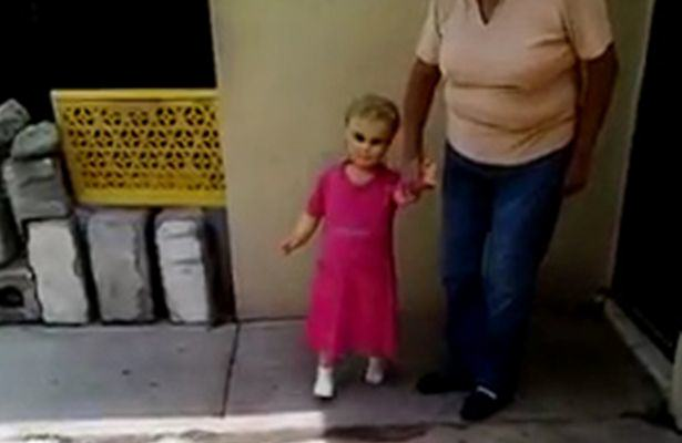 This Viral Video Of A Creepy Walking Doll Has Terrified The Internet UNILAD doll14