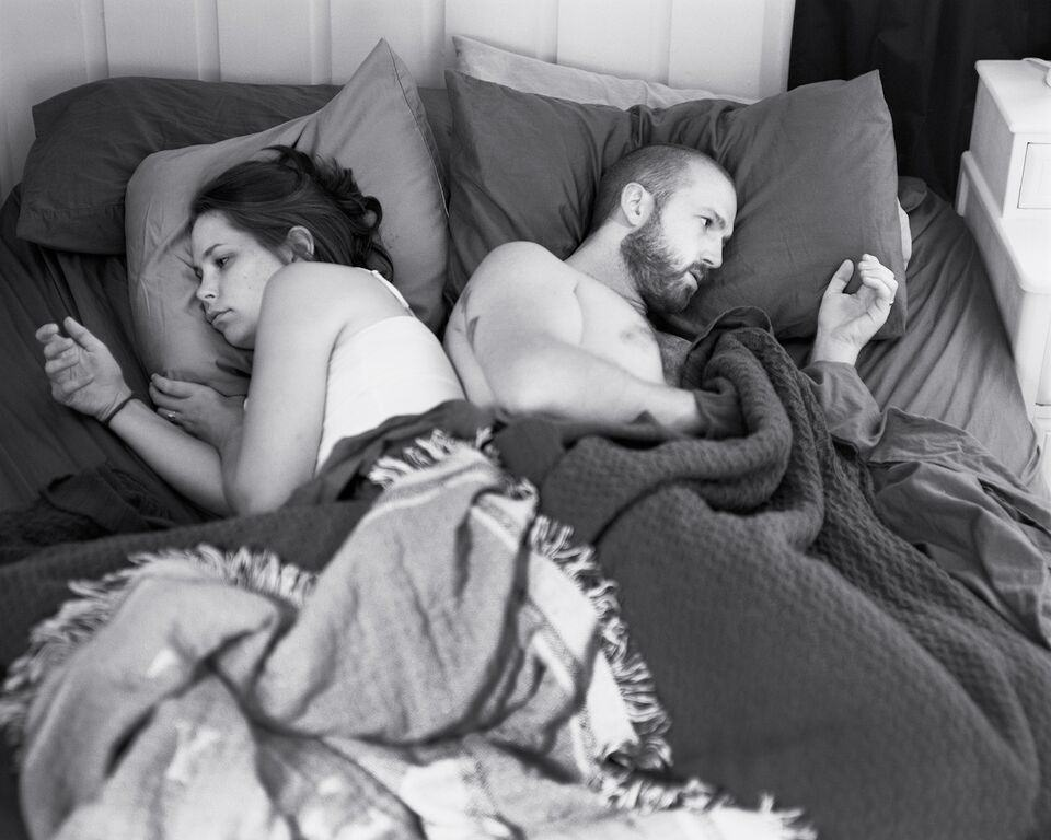 Photographer Shows What Our Lives Would Be Like Without Smartphones UNILAD eric photos 111