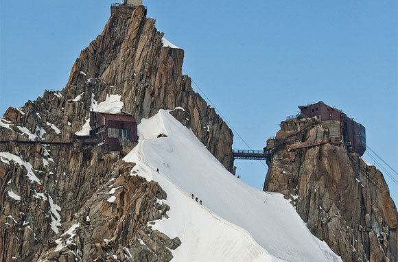 Here Are Ten Of The Most Ridiculous Bridges From Around The World UNILAD flickr eole wind62623