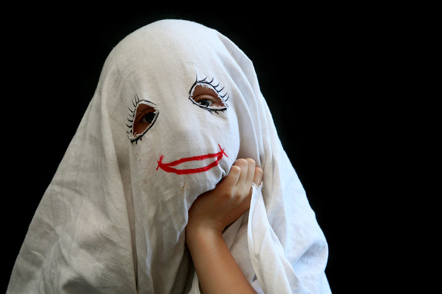 Here Are This Year's Most Predictable Halloween Costumes UNILAD ghost48833