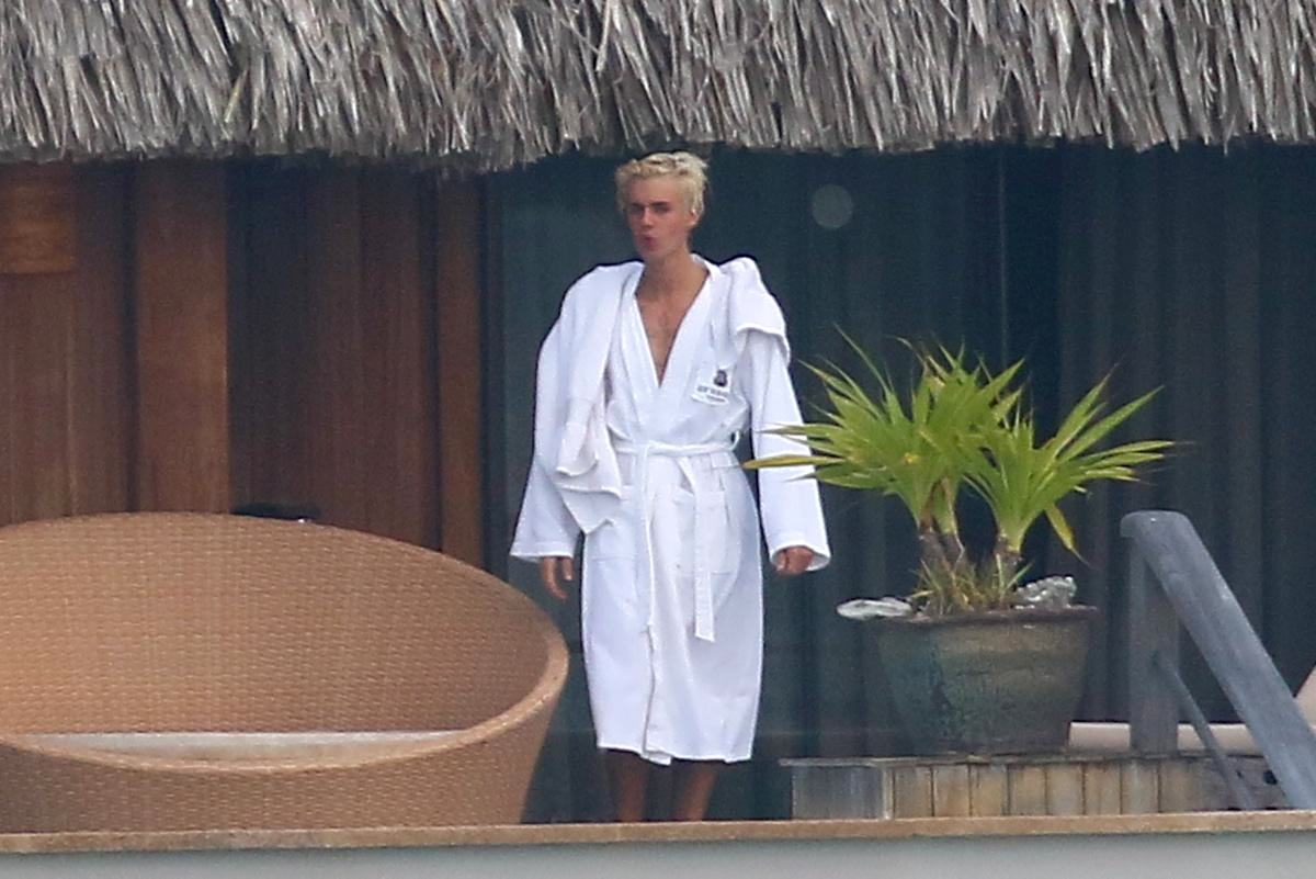 The Internet Loved Pics Of Justin Biebers Dick, His Lawyers Did Not UNILAD justin bieber bora bora FameFlynet4
