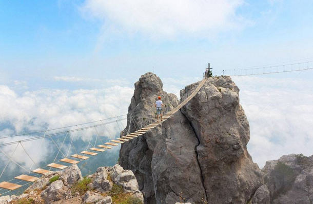 Here Are Ten Of The Most Ridiculous Bridges From Around The World UNILAD krimea 267441