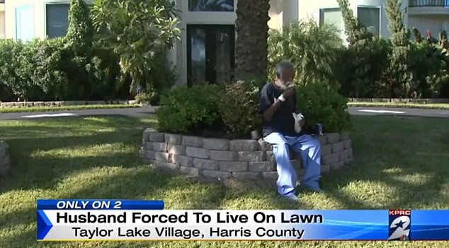 Wealthy Man Forced To Live On His Lawn For Months After Being Locked Out UNILAD main image8