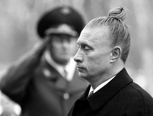 Someones Photoshopped Man Buns Onto World Leaders And Theyre Great UNILAD man bun94870
