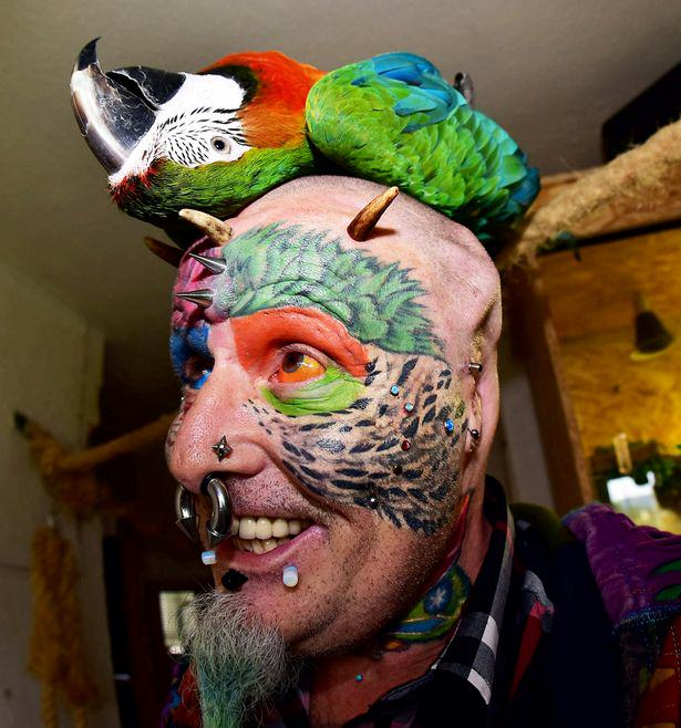 Man Gets Ears Chopped Off To Look Like Parrot, Thats Just The Start UNILAD man parrot5040