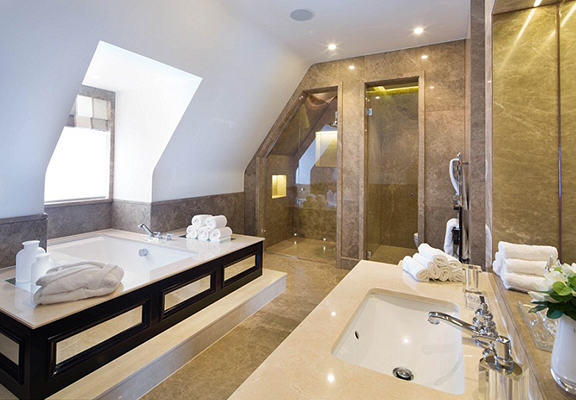 This £32 Million London Mansion Is Disgustingly Luxurious UNILAD mansion WEB 97