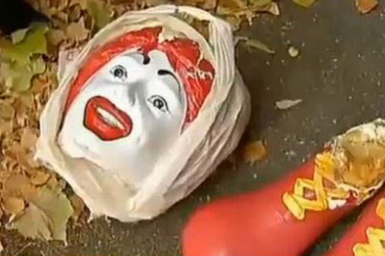Vandals Cut Feet off Ronald McDonald, Decapitate Him UNILAD mcd56135